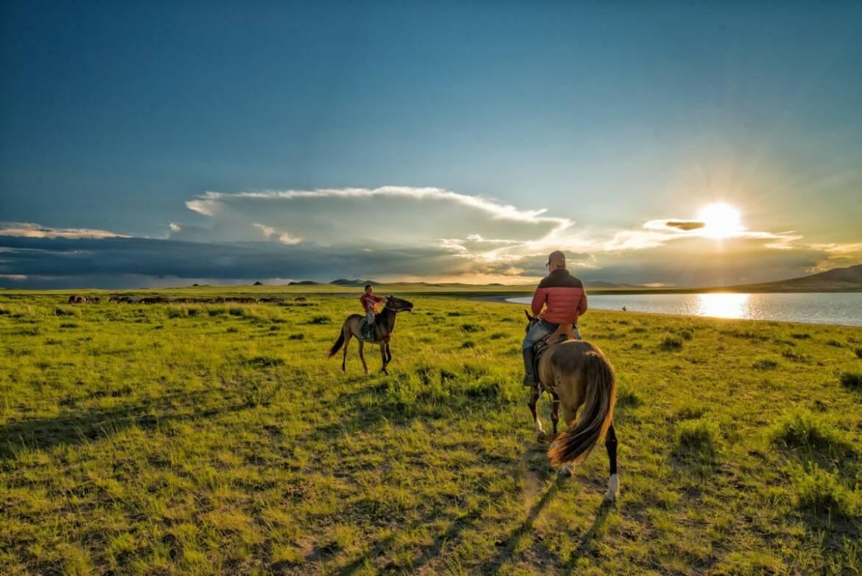 Mongolian-Horsemen.jpg